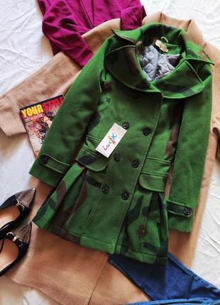 Пальто зелёное детское на теплой подкладке новое