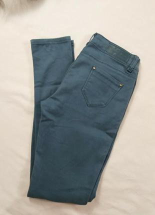 Стильный брюки джинсы