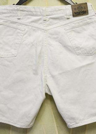Белые шорты wrangler