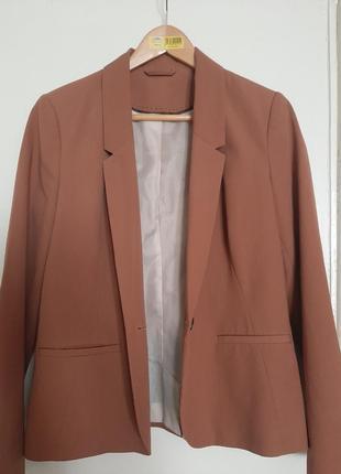 Стильный пиджак жакет на осень