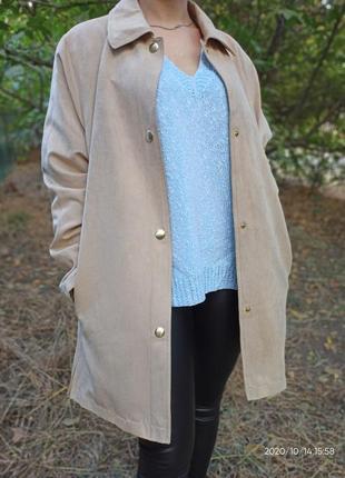 В наличии куртка удлиненная плащ оверсайз бежево молочного цвета от barisal италия