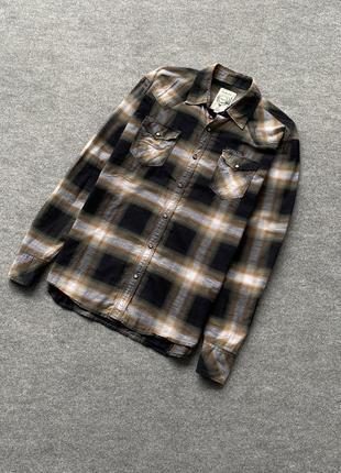 Красивая, легкая рубашка diesel на заклепки с карманами