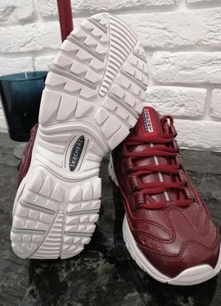Кросівки оригінальні, осінні