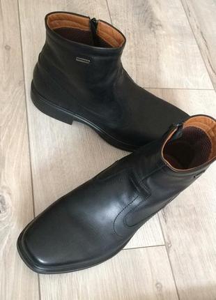 Демисезонные кожаные ботинки geox