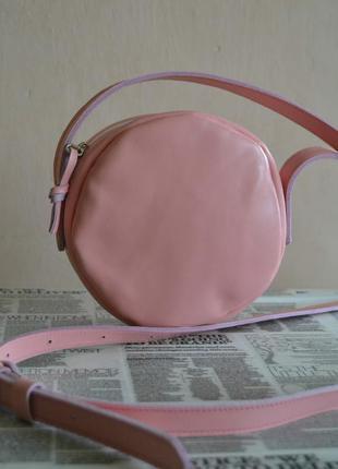 Круглая сумочка из натуральной кожи