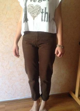 Джинсы бойфренды 29р, посадка высокая, плотный джинс, цвет темно-коричневый, true jeans