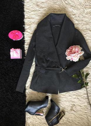 Шикарное легкое пальто от zara