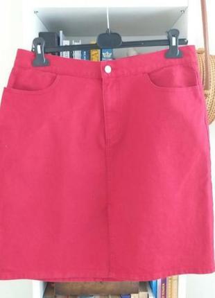 Джинсовая юбка с легким стрейчем.
