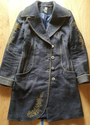 Шерстяное пальто демисезонное утеплённое теплое 42 44 46 размер под джинс с вышивкой