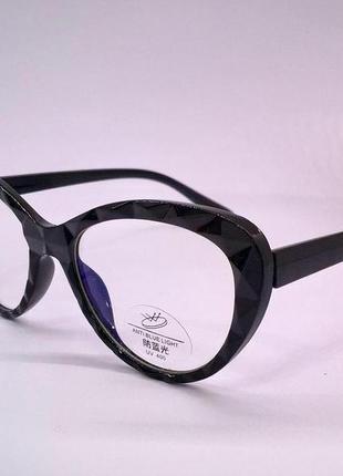 Стильные компьютерные очки в модной гранированой оправе