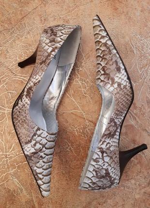 Стильные, уникальные туфли с удлиненным носком, рептилия, питон, змея от poe италия