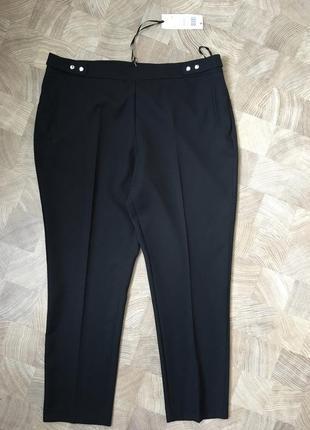 Новые очень красивые и стильные брюки
