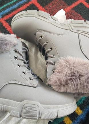 Ботинки женские, зимние тепленикие и комфортные.4 фото