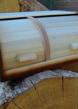 Деревянная двойная хлебница
