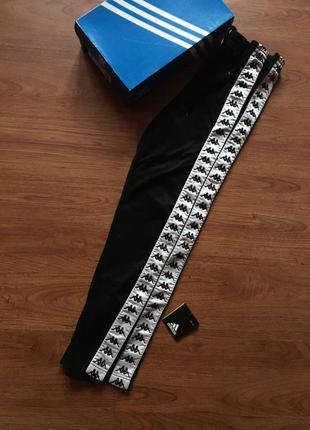 Оригінальні штани kappa с лампасами