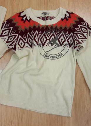 Тёплый мягкий свитер moschino