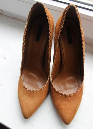 Шикарні туфлі zara