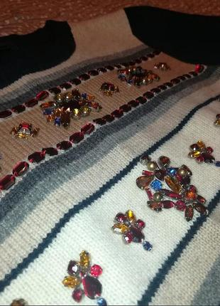Тёплый нарядный свитер