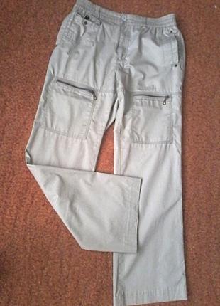 Комфортные брюки,высокая посадка,много удобных карманов,на размер 50 /xl