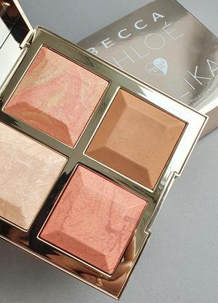 Becca x khloé kardashian & malika haqq bronze blush & glow palette (золото)