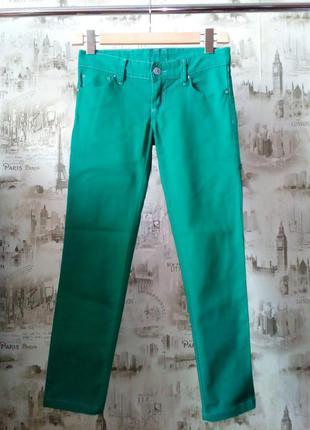 """Зеленые джинсы """" stradivarius"""""""