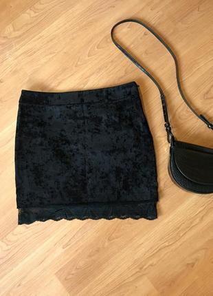 Чёрная бархатная юбка oggi с кружевом