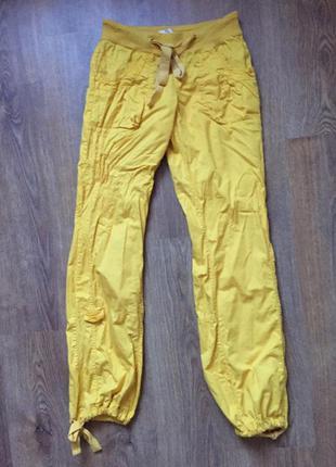 Яскраво жовті штани) є недолік, в ціну враховано) розмір s-m)