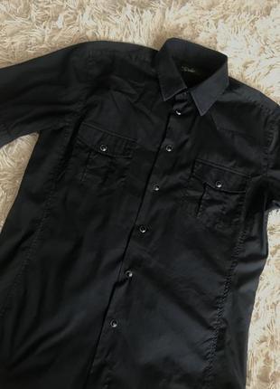 Мужская черная рубашка zara с коротким рукавом
