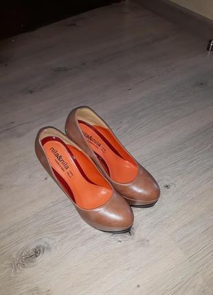 Брендовые туфли, красная подошва,кожа