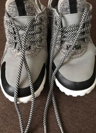 Кроссовки 30 размер primigi