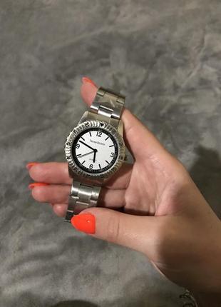 Наручные базовые кварцевые часы trend-design новые серебристые очень красивые