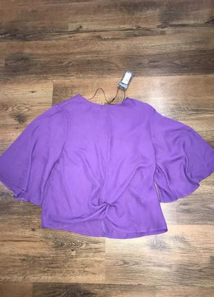Блуза с узлом в актуальном цвете