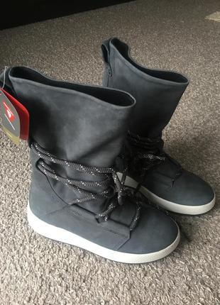 Бомбезні зимові чобітки