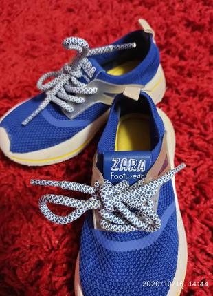 Синые кроссовки zara