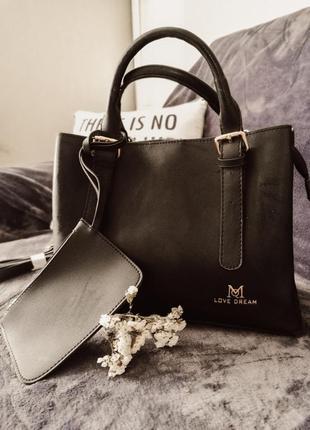 Крутая класическая сумка черного цвета