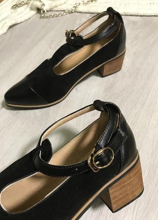 Жіноче взуття/ туфлі/туфлі з гострим носиком/черквики/осінні туфлі /стійкий каблук.