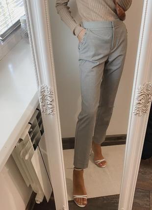 Серые брюки из новых коллекций zara, штаны со стрелками