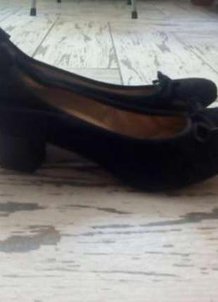 Фирменные туфли из натуральной замши