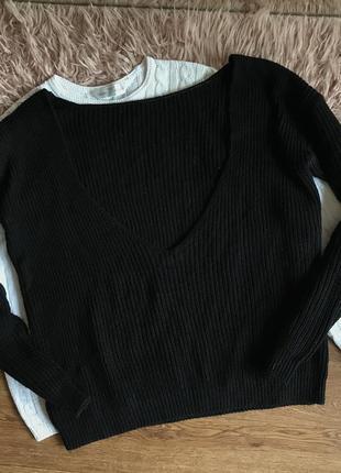 Чёрный джемпер с открытой спинкой(м)