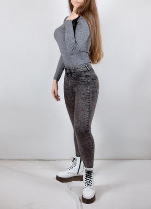 Стильные серые джинсы cropp 🔥 скини s-xs