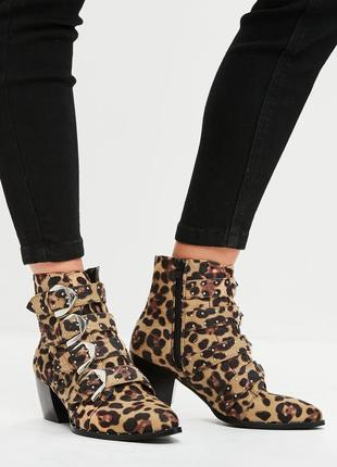Леопардовые ботинки с пряжками, сапожки в леопардовый принт, димнесезонные ботинки