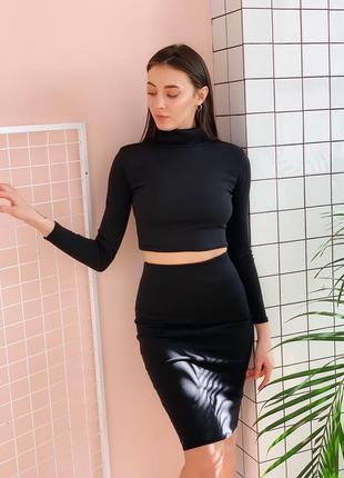 Чорнтй костюм топ +юбка