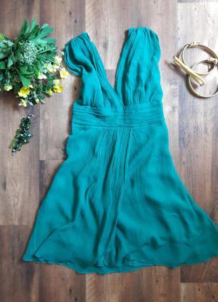 Шелковое платье в модном зеленом цвете