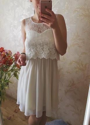 Нежное платье цвета айвори