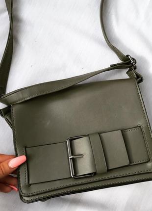 Крутая хаки сумочка сумка кроссбоди с ремешком на плече
