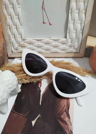 Классные белые очки лисички кошечки имиджевые солнцезащитные ретро винтаж окуляри7 фото