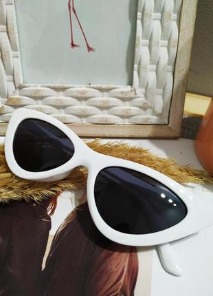 Классные белые очки лисички кошечки имиджевые солнцезащитные ретро винтаж окуляри8 фото
