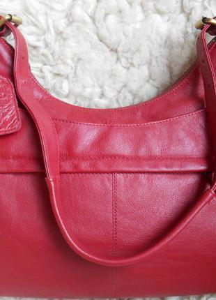 Красивая сумочка f & f . англия. кожа