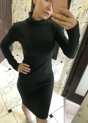 Теплое платье водолазка