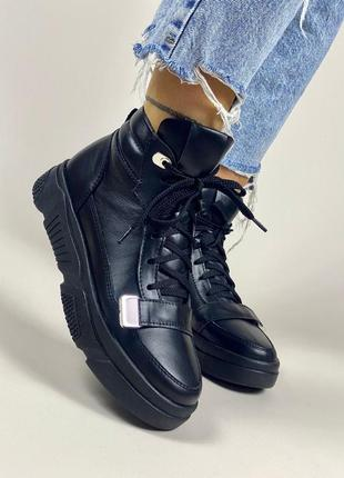 Высокие ботинки кеды